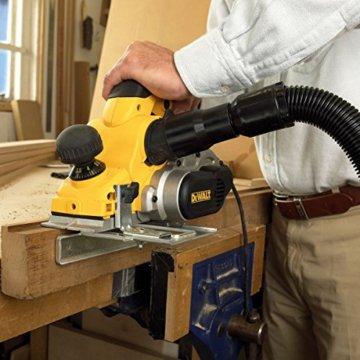 DeWalt Elektrohobel/ Hobel (1,050 Watt, Hobelbreite 82 mm, max. Hobeltiefe 4 mm, Hobelstärke in 1/10 mm-Schritten schnell und präzise einstellbar, für harte Holzarten geeignet, inkl. Zubehör) D26500 - 7